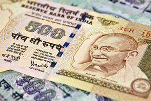 Khủng hoảng đồng rupee ở Ấn Độ: Điềm lành hay thảm họa?