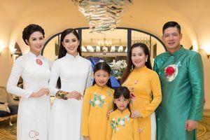 Hoa hậu Trần Tiểu Vy hội ngộ cùng Bình Minh, Ngọc Hân và Đỗ Mỹ Linh tại show Áo dài Story
