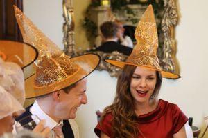 Cặp đôi chi tiền khủng thuê lâu đài, làm đám cưới theo chủ đề Harry Potter khiến nhiều người ghen tị