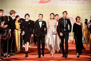 Dàn sao 'đổ bộ' thảm đỏ bế mạc Liên hoan phim Quốc tế Hà Nội