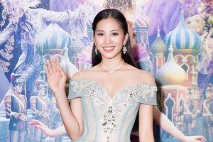 Hoa hậu Tiểu Vy hóa công chúa Disney lộng lẫy đi ra mắt phim