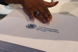 Trump tuyên bố sẽ ngừng cấp quốc tịch cho trẻ em nước ngoài sinh tại Mỹ