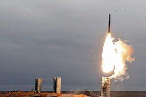 Nga - Ấn Độ loại bỏ USD, thanh toán hợp đồng tên lửa bằng tiền RUB