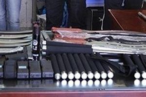 Thu giữ số lượng hung khí 'khủng' tại hiệu cầm đồ 'Hải AK'