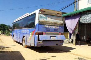 Xe biển số Lào đưa đón học sinh, cán chết nữ sinh lớp 11