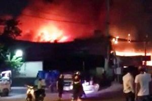 Cháy, nổ kinh hoàng tại cửa hàng ở Sài Gòn trong đêm Halloween