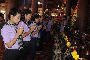 Đoàn cán bộ tuyên giáo, báo chí TPHCM viếng mộ cố Tổng Bí thư Trần Phú