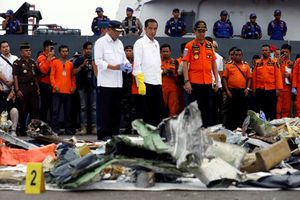 Vụ máy bay rơi ở Indonesia kết thúc tháng 10 đầy biến động