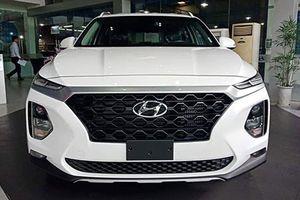 Hyundai SantaFe 2019 máy dầu giá 1,15 tỷ đồng tại VN