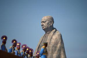 Cảnh sát Ấn Độ phải bảo vệ bức tượng cao nhất thế giới vì người dân phản ứng