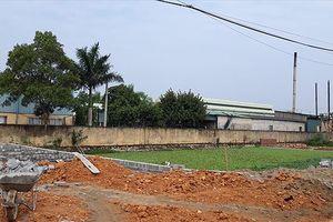 Nhà máy may xả thải gây ô nhiễm môi trường