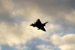 Đang 'ra oai' với đối thủ, máy bay ném bom của Nga bị đánh chặn