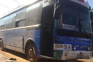 Xe đón học sinh đâm chết một nữ sinh ở Nghệ An
