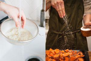 Những 'chiêu thức' nấu ăn có vẻ kì lạ nhưng đầu bếp nào cũng dùng