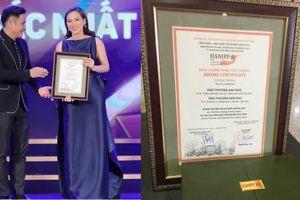 Phương Anh Đào rạng rỡ giành giải Nữ diễn viên chính xuất sắc tại LHP quốc tế Hà Nội