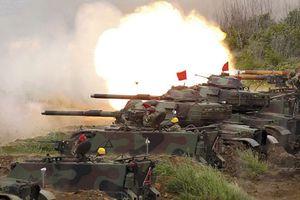 Trung Quốc dọa chiến tranh, Đài Loan sắm nhiều vũ khí