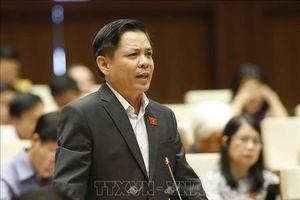 Bộ trưởng Giao thông trả lời nhiều câu hỏi nóng của Quốc hội
