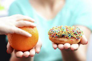 Chuyên gia tư vấn 5 dấu hiệu nhận biết thực phẩm không an toàn cần dạy cho trẻ