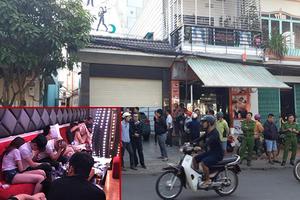 Đột kích quán karaoke lúc 3 giờ sáng, phát hiện hơn 50 thanh niên 'phê' ma túy