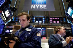 S&P chốt tháng 10 giảm mạnh nhất 7 năm