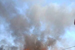Cháy một xưởng gỗ ở Hà Nội