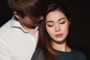 Nguyễn Ngọc Anh rơi lệ hát về nỗi lòng người phụ nữ bị phụ bạc trong MV mới