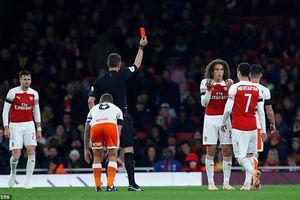 Cúp Liên đoàn Anh: Arsenal thắng hú vía, Chelsea hạ đội bóng của Lampard
