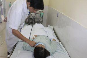 Hà Nội: Cô gái trẻ bị hóc xương vịt ở phế quản suốt 3 tháng do trước đó bị chẩn đoán nhầm là bệnh viêm họng