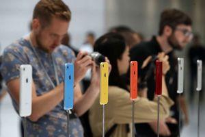 Cận cảnh 6 màu sắc rực rỡ của iPhone XR chính hãng vừa mở bán