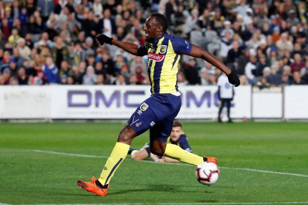 Usain Bolt đã chấm dứt tập luyện với đội bóng Úc