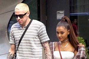 Ariana Grande công kích tình cũ vì giả bộ cầu hôn trên truyền hình