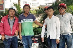 'Hiệp sĩ' tóm kẻ trộm 2 xe trong chung cư