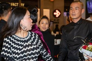 Mỹ nam showbiz Việt thi nhau khoe 'vợ doanh nhân'