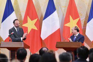 Thủ tướng Nguyễn Xuân Phúc hoan nghênh việc Thủ tướng Pháp thăm Điện Biên Phủ