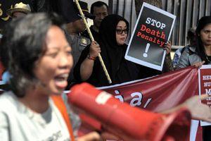 Ả Rập Saudi hứng thêm bão tố vì xử tử nữ giúp việc Indonesia