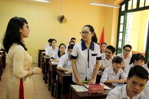 Học sinh bị đuổi học vì nói xấu thầy cô: 'Đừng xem kỷ luật là đặc quyền của người lớn'