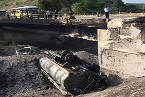 Thông xe đoạn đường tạm bị sụt lún trên cao tốc Nội Bài - Lào Cai