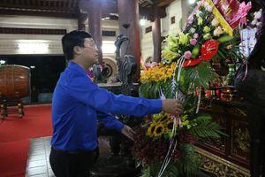 Trung ương Đoàn dâng hoa, dâng hương tại khu DTLS quốc gia Truông Bồn