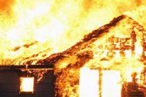 Cháy nhà do nướng mực, 4 người thương vong