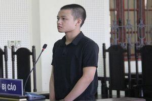 Trả thù, thiếu niên 16 tuổi lao ô tô vào đối thủ