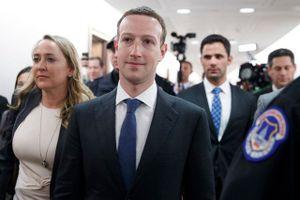 CEO Facebook thừa nhận không thể ngăn chặn tin tức giả mạo và đánh cắp dữ liệu