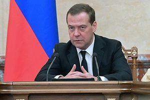 Thủ tướng Nga ký lệnh trừng phạt Ukraine, TT Poroshenko nói đó là 'vinh dự'