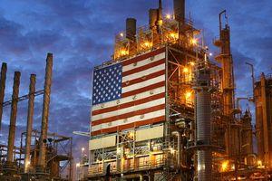 Mỹ chuẩn bị trừng phạt Iran, giá dầu giảm không ngừng