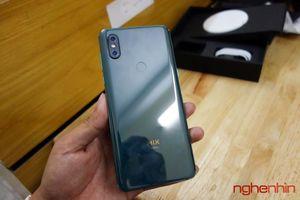 Trên tay Xiaomi Mi MIX 3 xanh ngọc lục bảo độc nhất Việt Nam