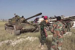 Pháo binh tên lửa Syria thiêu hủy chiến tuyến khủng bố ở Idlib
