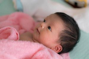 Trẻ sơ sinh 2 tháng tuổi thở khò khè: Nguyên nhân và cách chăm sóc tại nhà