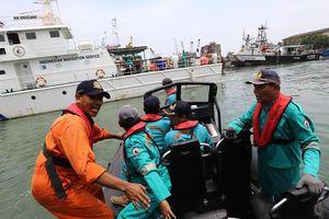 Vụ máy bay rơi: Tổng thống Indonesia yêu cầu đẩy nhanh tìm kiếm
