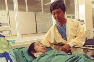 Bị 'vợ hờ' suy thận nặng, sắp mù lòa đuổi về, chồng vẫn quyết bám trụ chăm vợ đến hơi thở sau cùng