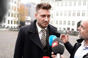 Bendtner bị kết án 50 ngày tù vì đấm vỡ quai hàm tài xế taxi