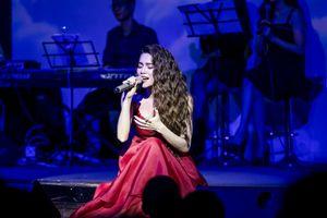 Hồ Ngọc Hà cover bản hit 'Hongkong1'